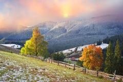 Autunno ed inverno nelle montagne Immagine Stock Libera da Diritti