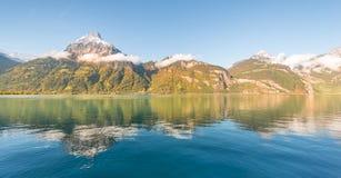 Autunno nel lago alpino Fotografie Stock Libere da Diritti