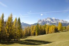 Autunno stupefacente nelle alpi delle dolomia, l'Italia Immagini Stock Libere da Diritti