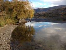 Autunno sul fiume Immagini Stock
