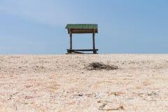 Auvent de plage sur la plage Photographie stock