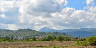 Auvergne region av Massif Central, Frankrike Fotografering för Bildbyråer