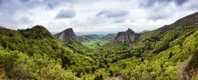 Auvergne vulkanisk landskappanorama Royaltyfria Bilder