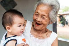 Avó asiática com bebê Fotos de Stock Royalty Free