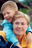 Avó com seu neto alegre Imagens de Stock Royalty Free