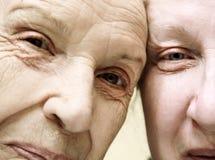 Avó com sua filha Imagens de Stock