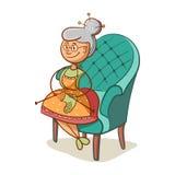 A avó faz malha peúgas Imagens de Stock Royalty Free