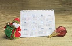 Avó Frost, calendário e brinquedo Imagens de Stock Royalty Free