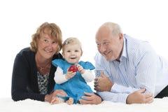 Avós com a neta, isolada no branco Foto de Stock Royalty Free
