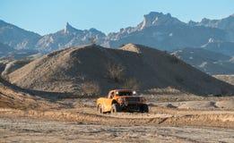 Av att springa för väg på Laughlin Nevada fotografering för bildbyråer