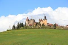 By av Châteauneuf-en-Auxois i Bourgogne Royaltyfria Bilder
