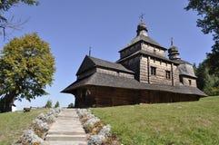 Av den forntida träkyrkan Royaltyfri Fotografi