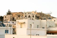 By av den grekiska ön Arkivfoto