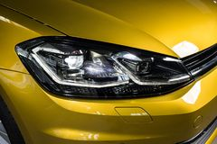 19 av Januari, 2018 - Vinnitsa, Ukraina Volkswagen VW Golf pres Royaltyfri Foto