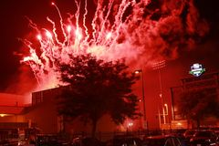 4 av Juli brand röda Explotion arkivbilder