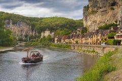 By av Roc Gageac, Dordogne, Frankrike Arkivfoton
