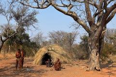 By av Sanen i Namibia arkivbild