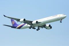 A340-600 av Thaiairway Arkivfoton
