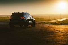 Av-väg bil på vägen Fotografering för Bildbyråer