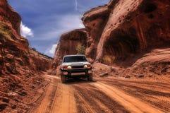 Av vägbilen i kanjonen Arkivfoto