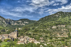 By av Valldemosa & x28; Mallorca - Spain& x29; Arkivfoto
