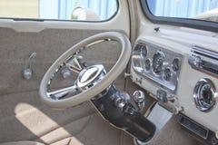 1950 av vita Ford Pickup Interior Arkivfoton