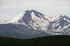 Avacha vulkan eller Avachinskaya Sopka Arkivbilder