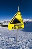 A avalancha, assina dentro a montanha Imagem de Stock Royalty Free
