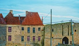 Avallon街道在布戈尼法兰奇伯爵大学地区在法国 免版税库存图片
