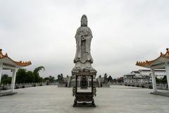 Avalokitesvara雕象在Pematang Siantar -印度尼西亚 库存照片