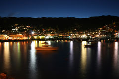Avalon Bay Catalina la nuit Images stock