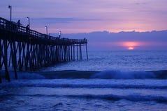 Avalon Pier-Sonnenaufgang lizenzfreies stockbild
