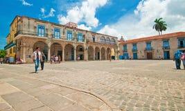 AVANA, CUBA - 15 AGOSTO 2016 Vista della plaza recentemente ristabilita Fotografia Stock