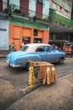 AVANA, CUBA - 6 DICEMBRE 2015 Automobile americana classica d'annata blu, c Fotografia Stock