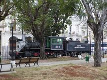 AVANA, CUBA - 27 GENNAIO 2013: vecchia locomotiva a vapore al centro di Avana Fotografia Stock