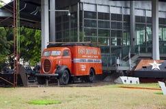 AVANA, CUBA - 27 GENNAIO 2013: vecchio camion al museo della rivoluzione sulla via di vecchia Avana Fotografie Stock