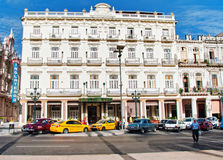 AVANA, CUBA - 13 LUGLIO 2016: Il foun storico di Inglaterra dell'hotel Immagini Stock Libere da Diritti