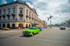 AVANA, CUBA - 14 OTTOBRE 2016 Vista di vecchia via di Avana con Fotografie Stock Libere da Diritti