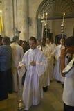 Avance catholique de sermon de dimanche par des fonctionnaires d'église chez le Catedral De La Habana, Plaza del Catedral, vieill Images stock