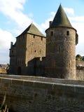 Avancee du chateau de Fougeres (Frankrike) Arkivbild