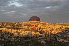 AVANOS, TURKIJE - MEI 06, 2015: Foto van Ballons over Cappadocia Royalty-vrije Stock Fotografie