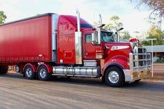 Avant d'une remorque rouge de fret, transport de train routier dans l'Australie image libre de droits