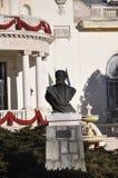 Avant de Dimitrie Ghica Statue de casino de station de vacances de Sinaia en Roumanie Image libre de droits