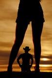 Avant de jambes de femme de silhouette avec l'homme Photos libres de droits