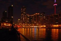 Avant de l'eau de Toronto Photo stock