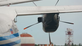 Avant de mettre en marche les avions de turbopropulseur de moteur banque de vidéos