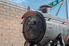 Avant de studios universels de train rapide de Hogwarts image stock