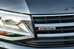 Avant de voiture de mouvement du ` s 4 de Volkswagen photographie stock