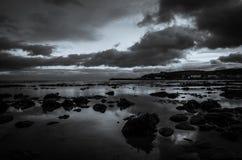 Avant scène d'hiver de plage de nuit Image libre de droits