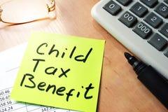 Avantage fiscal d'enfant image stock